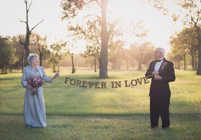 Eles celebraram 70 anos de casados com o álbum de casamento que nunca tiveram