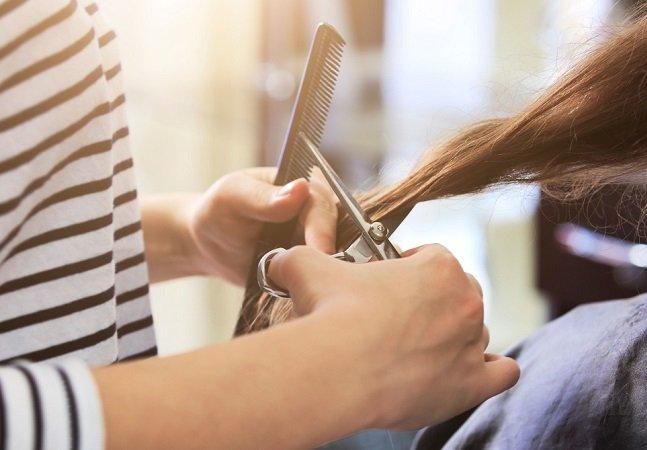 Projeto treina manicures e cabeleireiros para detectar vítimas de abuso e violência