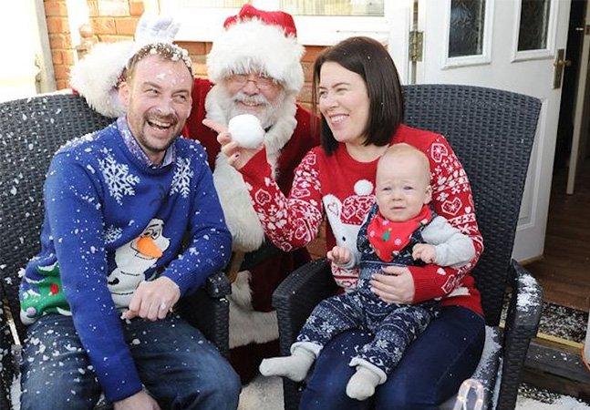 Pai com câncer terminal antecipa Natal para que seu filho de 10 meses fique com boas memórias