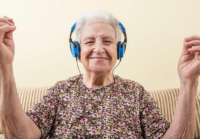 Pessoas idosas estão cada vez mais aderindo à maconha, diz estudo