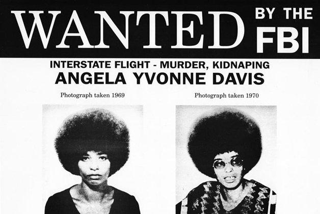 O cartaz de Procurada de Angela