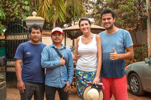 O casal também fez amigos no Camboja...