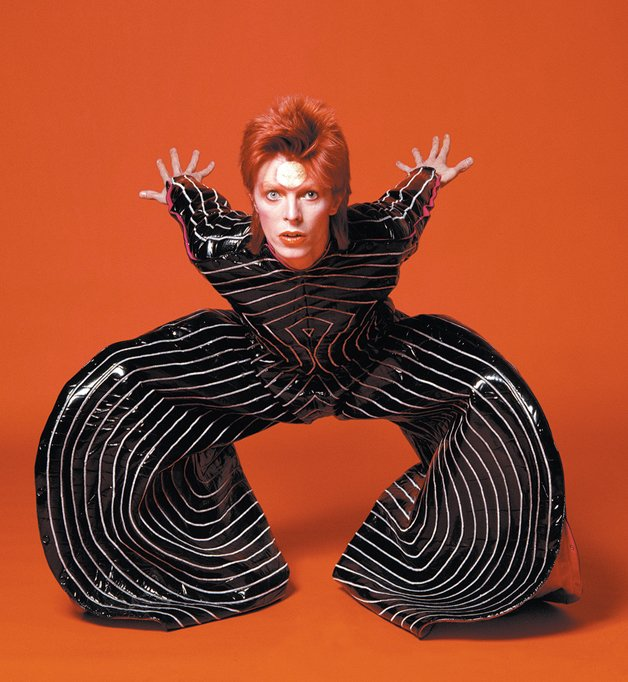 David Bowie in the 'Tokyo Pop' vinyl bodysuit that Yamamoto Kansai designed for his Aladdin Sane tour, 1973