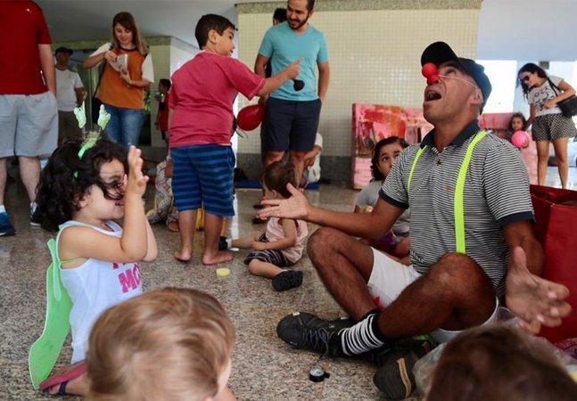 Crianças proibidas de usar pilotis de prédio em Brasília se unem e chamam os pais para um 'brincalhaço'