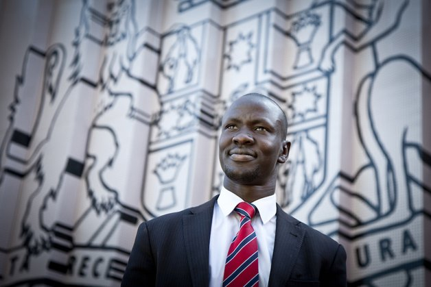 Portrait of Deng Adut for GradLife magazine (Alumni)