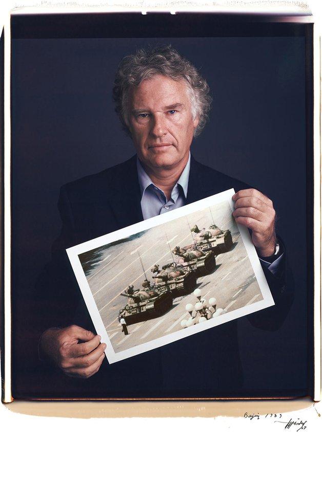 Jeff Widener - Homem tanque