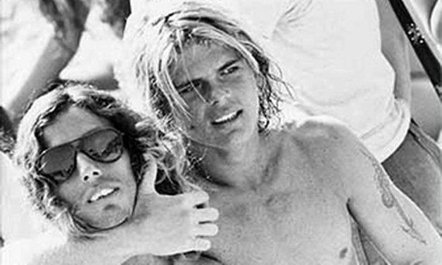 O surfista Rico e Petit