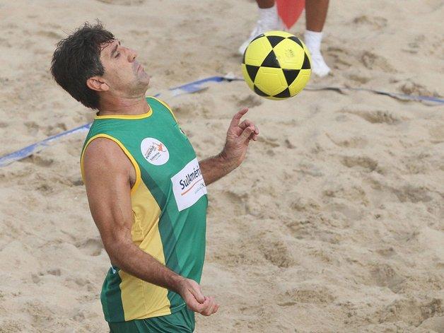 Renato Gaúcho disputando o mundial pelo Brasil