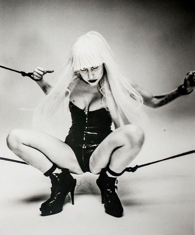 Gaga10