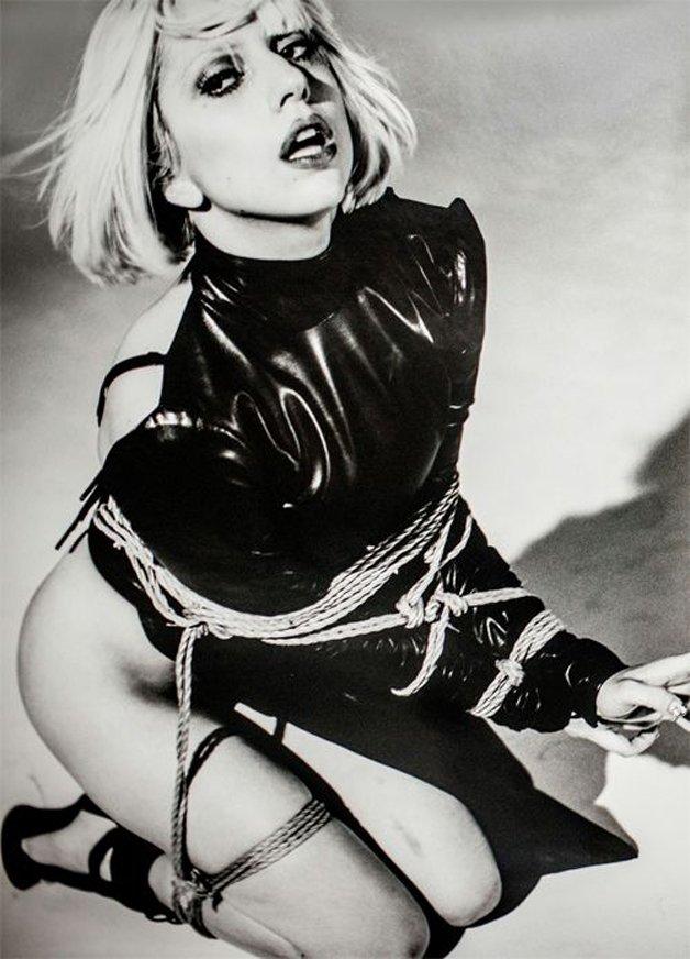 Gaga11