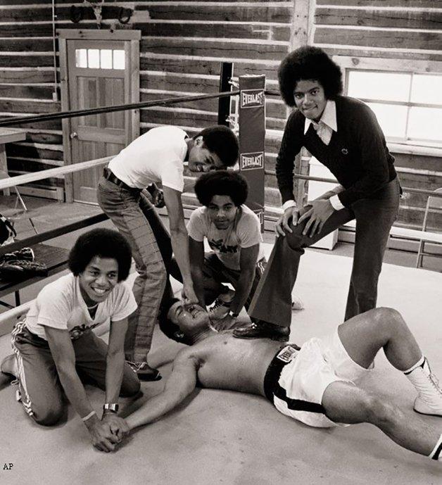 Os Jackson 5 nocauteando Ali