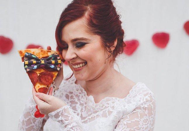 Ela finalmente fez um álbum de casamento com seu grande amor: uma fatia de pizza