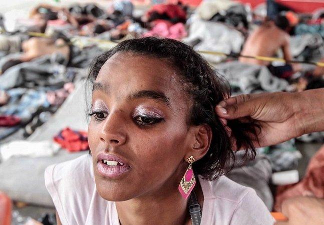 Semana da Diversidade da Beleza na Cracolândia leva autoestima a usuárias de droga