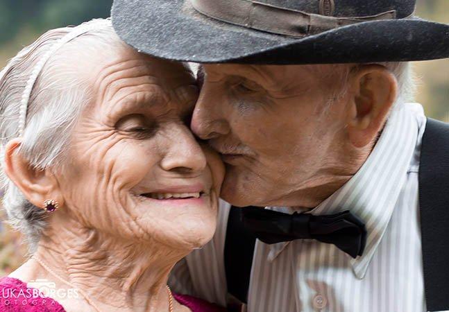 Esse casal de mineiros fez o álbum de fotografias que os 70 anos de amor merecem