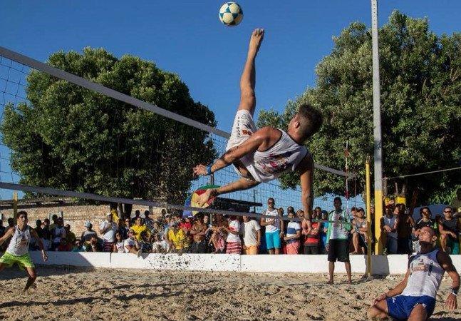 8 arenas no estado de São Paulo provam que não é preciso estar na praia para praticar futevôlei