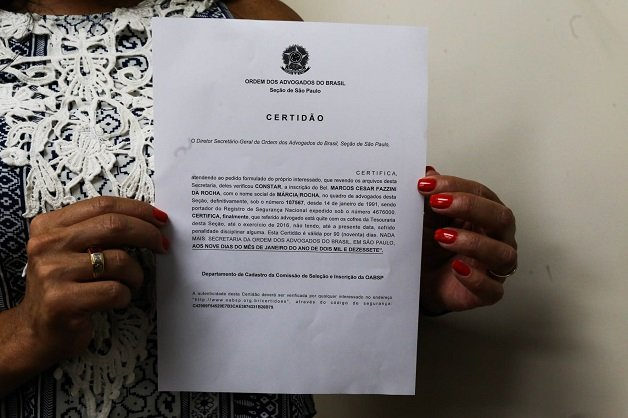 Cerimônia de entrega da  primeira certidão com nome social para a advogada Márcia Rocha, pleito antigo da OAB SP.  Evento realizado na sede da entidade. Data: 09/01/2017 - Local: São Paulo/SP - Foto: José Luis da Conceição/OABSP