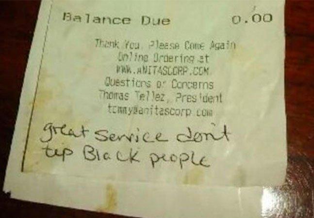 Garçonete que recebeu bilhete racista em vez de gorjeta gera onda de apoio e solidariedade