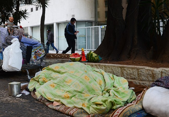 Novos abrigos para moradores de rua em SP terão parceria com rede hoteleira e de comidas orgânicas
