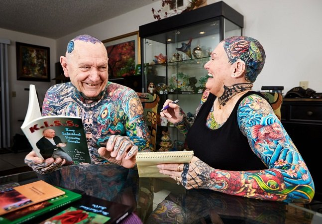 Conheça o casal que entrou para o Guinness por ser  o mais tatuado do mundo