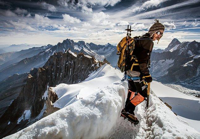 As incríveis imagens do homem que ama fotografar montanhas mas morre de medo de altura