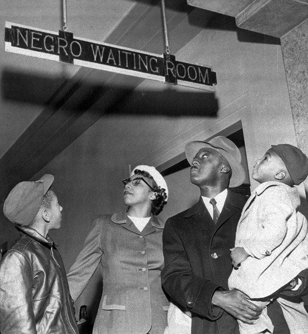 """Uma """"sala de espera para negros"""" em Oklahoma, em 1955"""