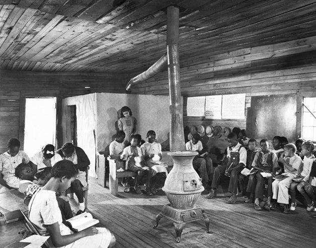 Uma sala de aula segregada na Geórgia, em 1941