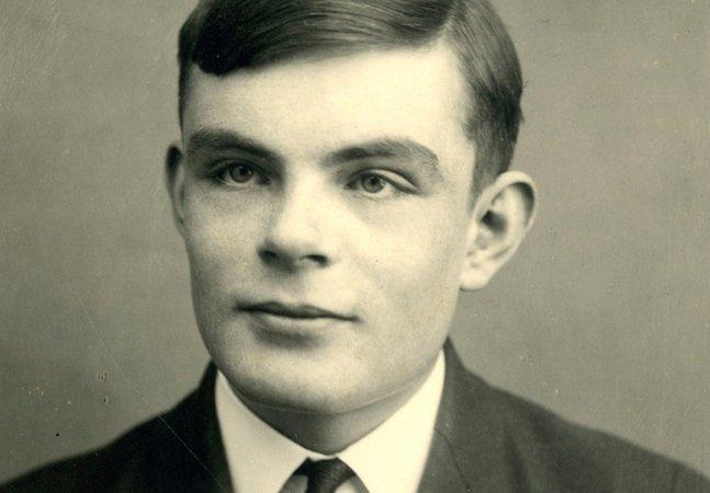 Alan Turing, pai da computação, sofreu castração química e foi proibido de entrar nos EUA por ser homossexual