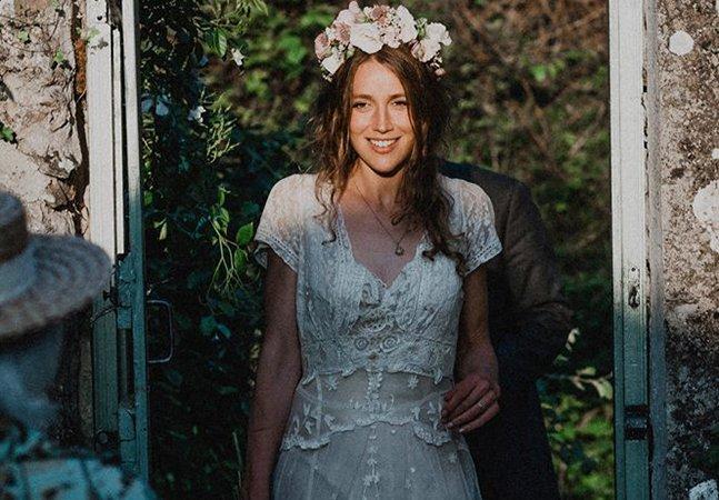 Post no Facebook ajuda jovem a encontrar vestido de noiva feito pela sua tataravó há 147 anos