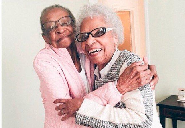 A amizade dessas senhoras dura há mais de 70 anos e se tornou viral graças a um vídeo maravilhoso
