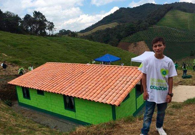 Garoto conhecido como 'anjo' da tragédia da Chapecoense ganha casa nova como recompensa