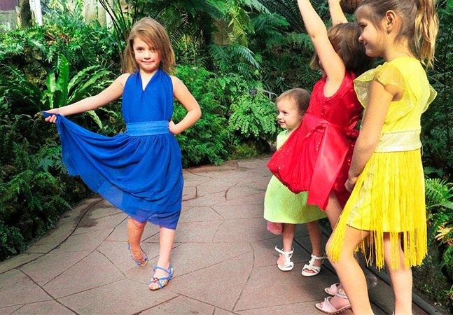 Três crianças adoráveis continuam recriando cenas de filmes nomeados aos Óscares da melhor forma