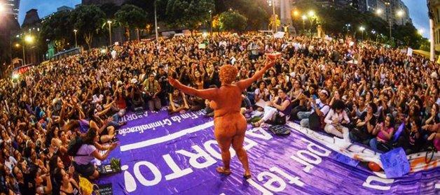 No Brasil, Mulheres Contra Cunha