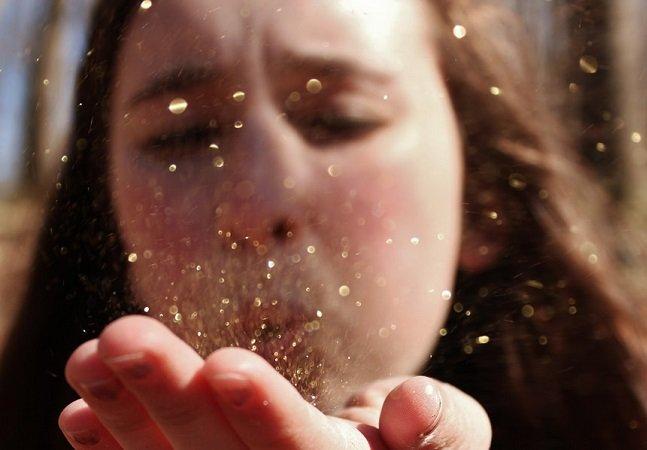 Aprenda a fazer glitter caseiro que não polui o meio ambiente