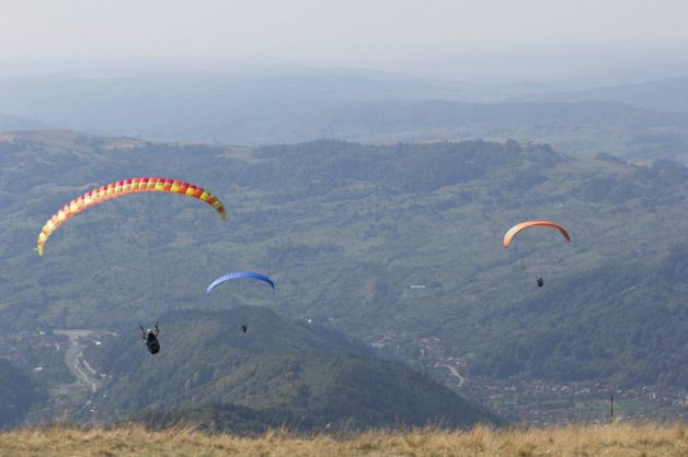 i-started-paragliding-to-overcome-my-fear-of-heights-and-this-is-how-it-went-2__880