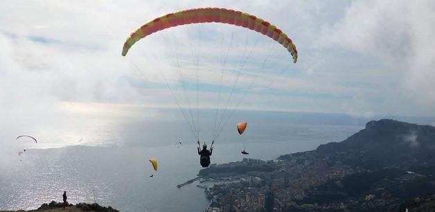 i-started-paragliding-to-overcome-my-fear-of-heights-and-this-is-how-it-went-4__880