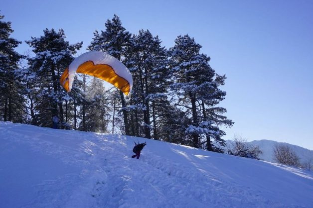 i-started-paragliding-to-overcome-my-fear-of-heights-and-this-is-how-it-went-9__880