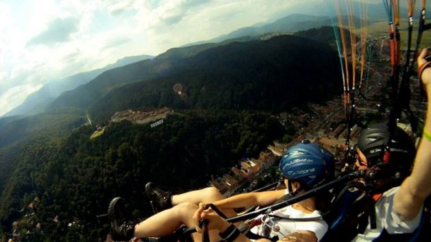 i-started-paragliding-to-overcome-my-fear-of-heights-and-this-is-how-it-went__880