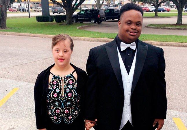 As pessoas estão apaixonadas por esse casal que foi junto ao baile de formatura