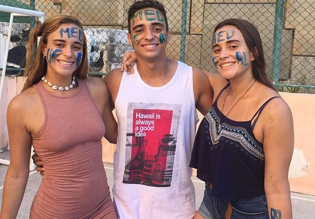 Aos 18 anos, estes trigêmeos que vivem em Salvador realizaram um sonho comum: passar juntos em Medicina
