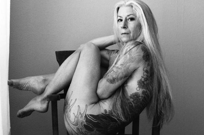 56-year-woman-body-piercing-tattoo-julie-burning-lotus-2-58b3dc25127ce-jpeg__700
