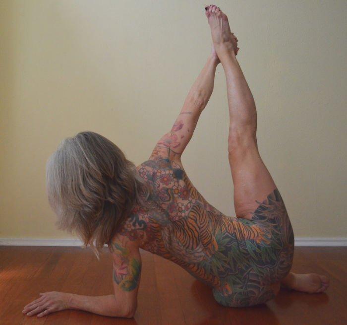 56-year-woman-body-piercing-tattoo-julie-burning-lotus-23-58b3dc59be925__700
