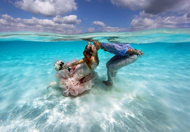 Eles se casaram em um banco de areia no meio do mar do Caribe: e foi lindo