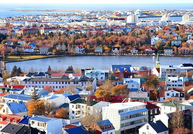 Islândia se torna o primeiro país do mundo a exigir que empregadores comprovem igualdade salarial