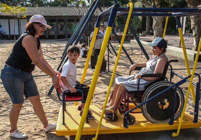 Instalação de equipamentos adaptados para pessoas com deficiência em parques e praças torna-se obrigatória
