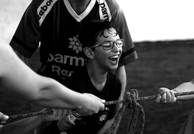 Fotógrafa mineira retrata o amor na rotina de famílias que têm filhos com autismo, paralisia cerebral e outros distúrbios
