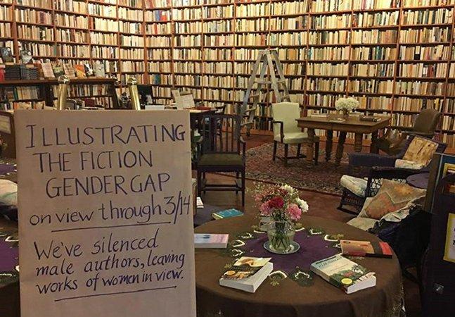 Livraria vira publicações de homens ao contrário pra demonstrar disparidade e destacar vozes femininas