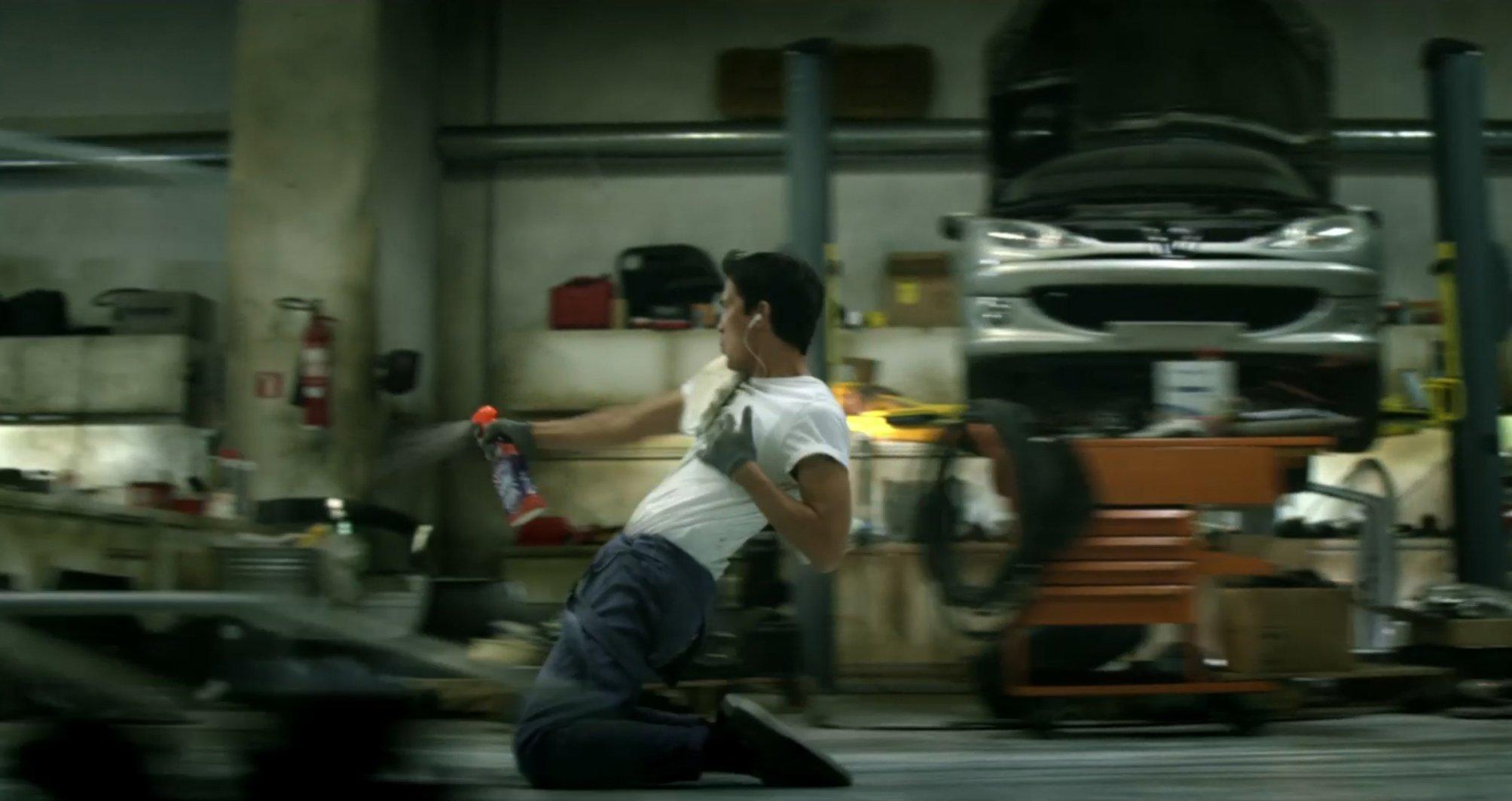 cillit_bang_dancing_mechanic