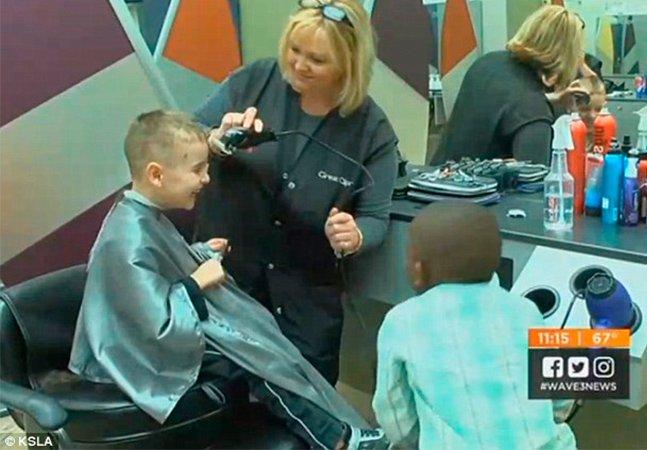 Eles cortaram o cabelo igual para confundir a professora e deram uma lição de vida em muito adulto
