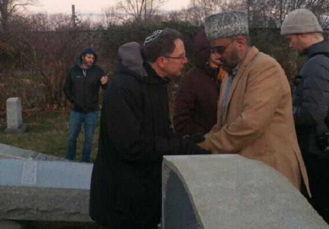 Muçulmanos se voluntariam para vigiar estabelecimentos judaicos nos EUA contra ação de vândalos