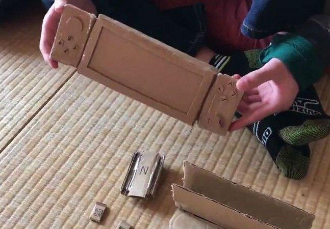 Esse menino criou seu próprio videogame de papelão após a mãe negar um de presente